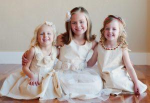 robes-blanches-de-ceremonies-pour-filles