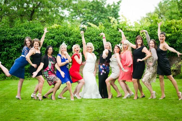 poses-invitees-de-mariage-avec-mariee