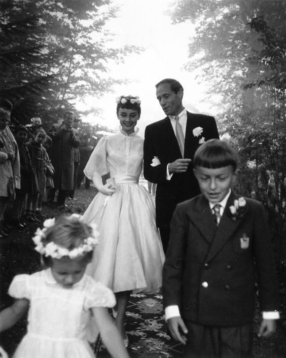 Audrey Hepburn robe courte pour mariage