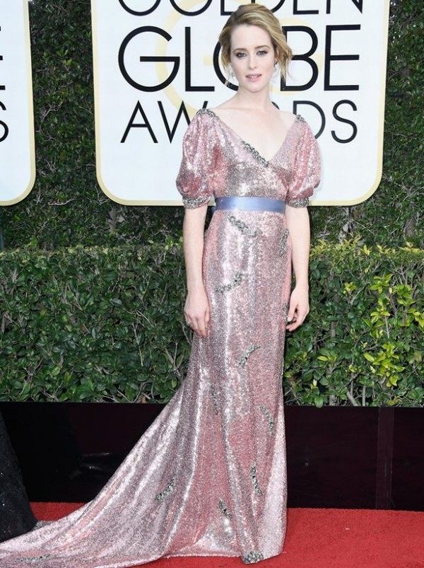 claire-foy-robe-rose-golden-globe-awards