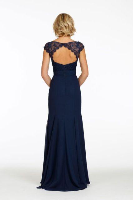 robe-longue-dentelle-dos-nu-bleu-nuit-avec-mancherons