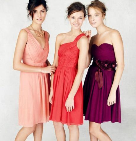 Robes courte mismatch pour mariage d'été