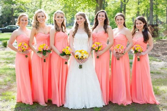 robes corail pour demoiselles d'honneur