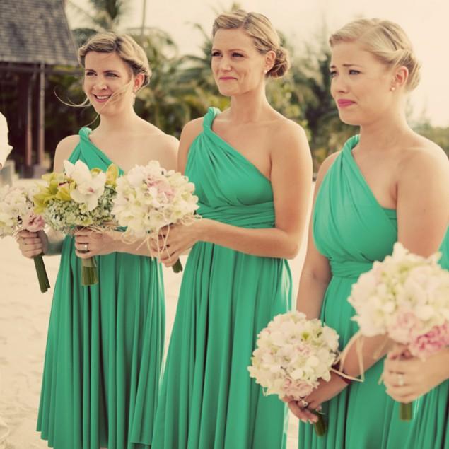 Robes asymétrique verte pour demoiselle d'honneur au mariage d'été