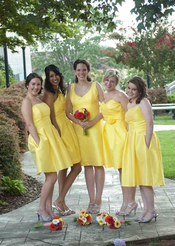 robes courtes demoiselles d'honneur jaunes pour mariage été
