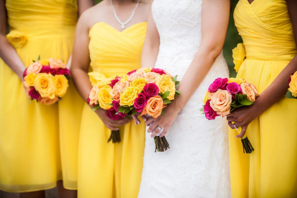 chic robes demoiselles d'honneur en jaune