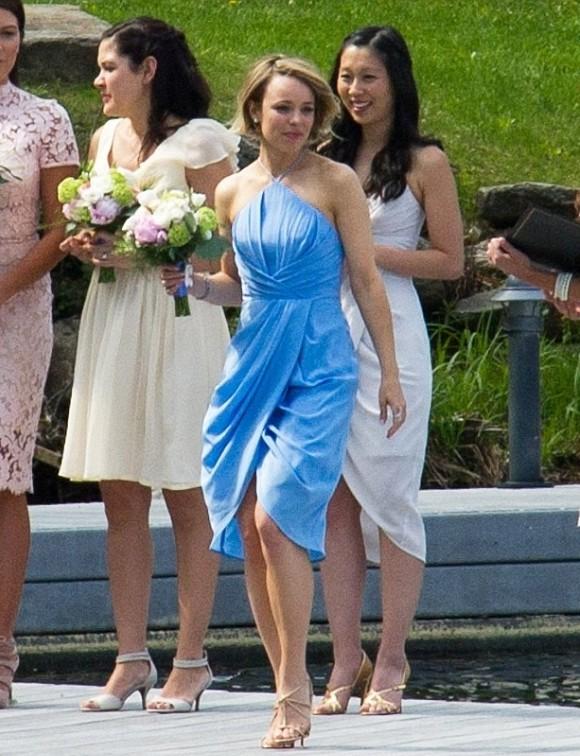 Rachel McAdams robe bleu demoiselle d'honneur