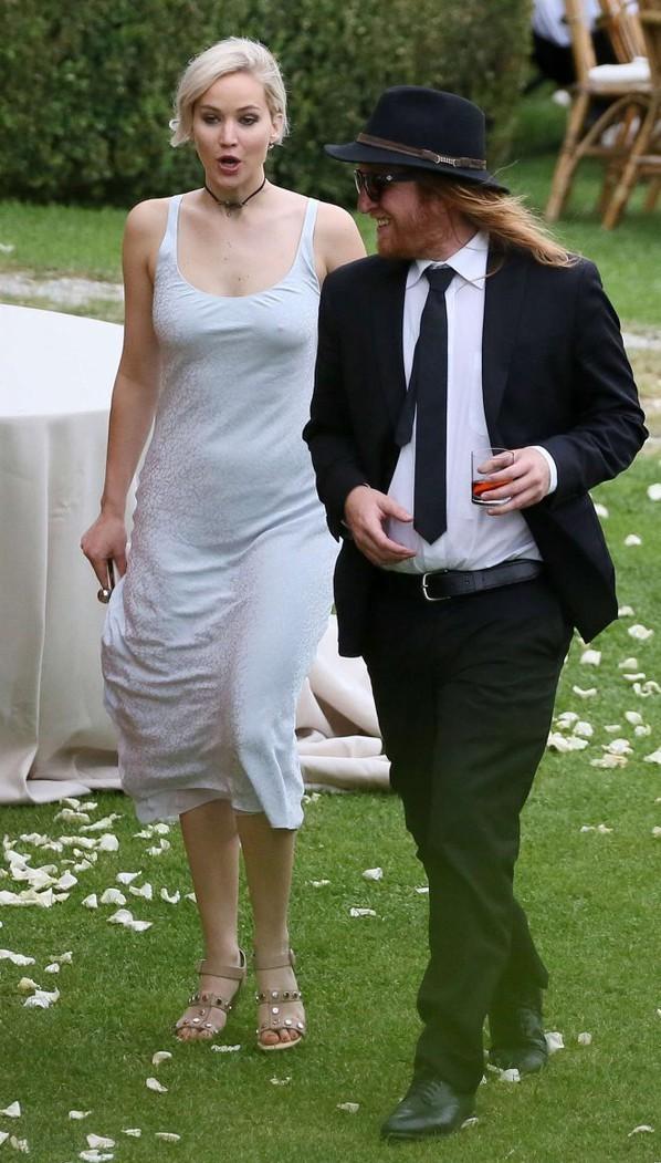 jennifer lawrence robe simple bleu pour mariage
