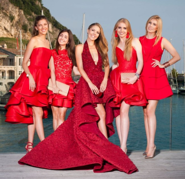 Robes rouge témoin mariage de Victoria Swarovski