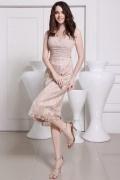 Elégante robe de fiançailles midi décolletée V jupe en dentelle