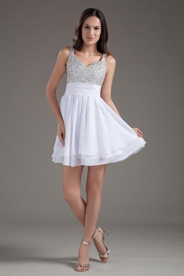 Petite robe de cocktail blanche décolleté V à paillettes