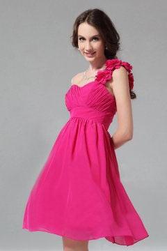 Petite robe demoiselle d honneur encolure asymétrique brtelle à fleurs fuchsia
