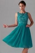 Petite robe demoiselle d'honneur vert émeraude haut en dentelle guipure