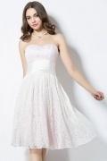 Petite robe en dentelle rose pâle bustier pour demoiselle d honneur