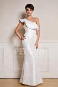 Robe blanche du marié col asymétrique à volants sirène en taffetas
