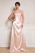 Robe chic rose pâle appliquée dentelle col illusion longue à traîne
