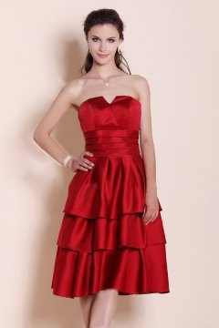 Robe chic rouge bustier empire jupe à volants courte