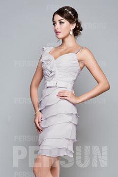 Robe courte de demoiselle d honneur moulante plissée & découpée col en V en mousseline