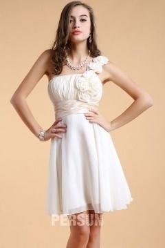 Robe courte pour demoiselle d honneur à une épaule ornée de fleurs
