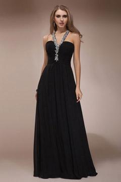 Robe noire de soirée mariage col orné de bijoux dos découpé