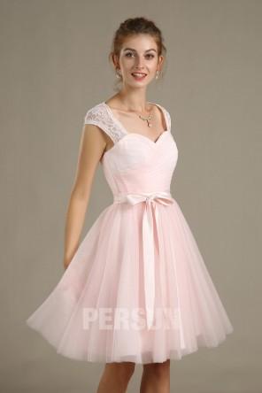 Robe rose pâle encolure Queen Anne dos découpé pour cortège mariage
