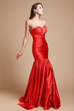 Robe soirée rouge bustier cœur sirène en satin élastique